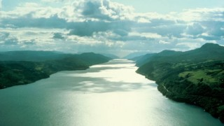 Loch-Ness-Le-Monstre-doc-2016-stfr