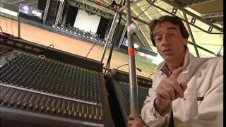 Documentaire C'est pas sorcier – Coulisses d'un concert, faites parler décibels!