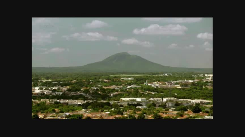 Documentaire La traversée de l'Amérique du Sud en autocar – Des barricades dans la forêt tropicale