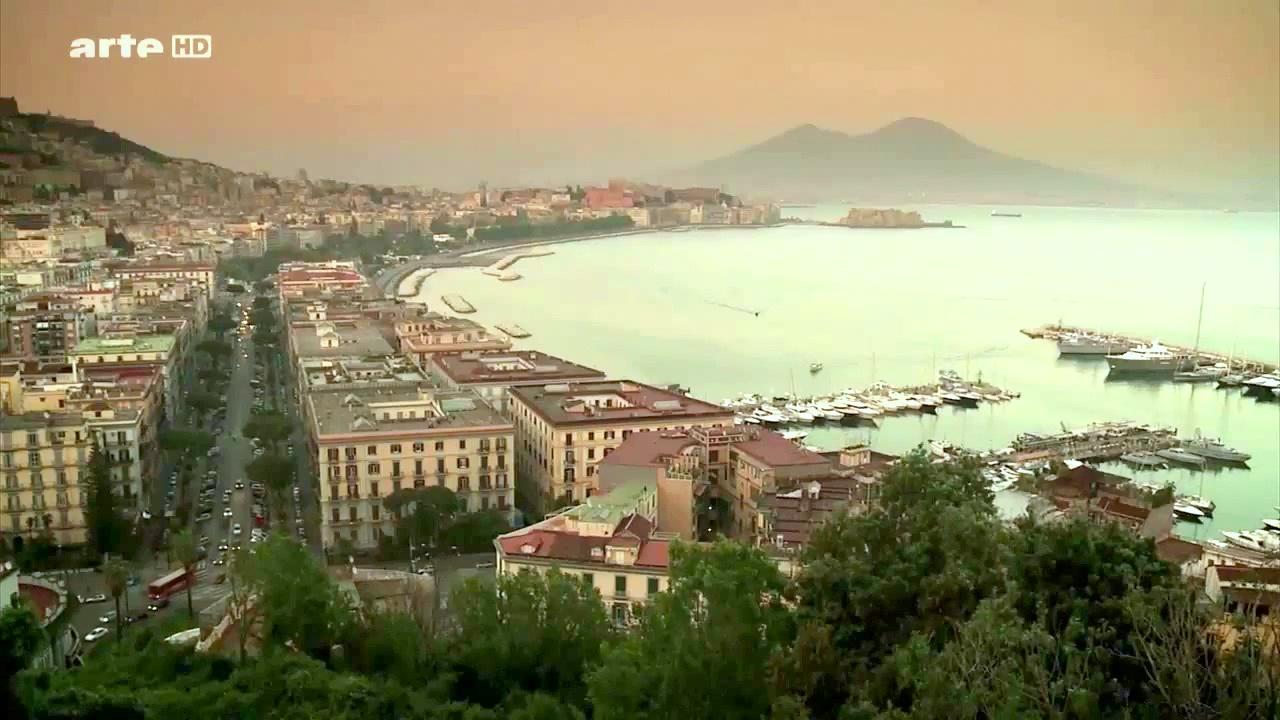 Documentaire Enquête d'Ailleurs – Naples, les morts font leur loi