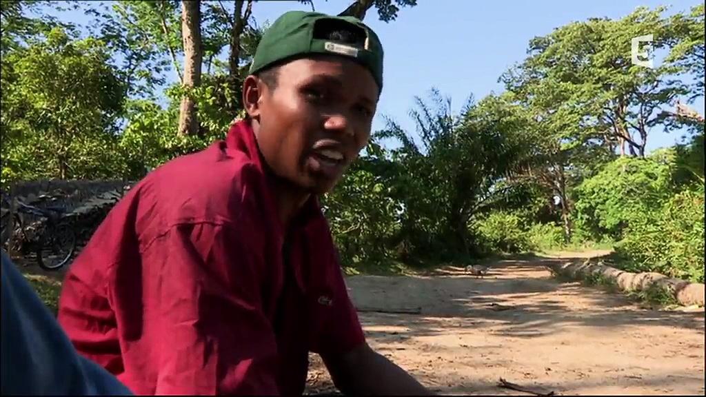 Documentaire Les routes de l'impossible – Madagascar : pistes, saphirs et bois précieux