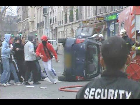 Documentaire Qui sont les casseurs ? : Enquêtes sur les nouvelles violences urbaines