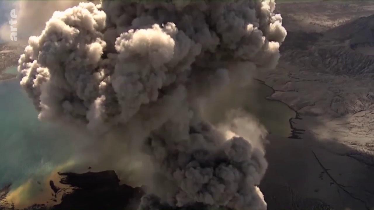 Documentaire Volcans assoupis – Des géants sous haute surveillance (1/2)
