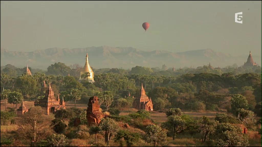 Documentaire Embarquement immédiat – Mandalay, la région aux temples dorés