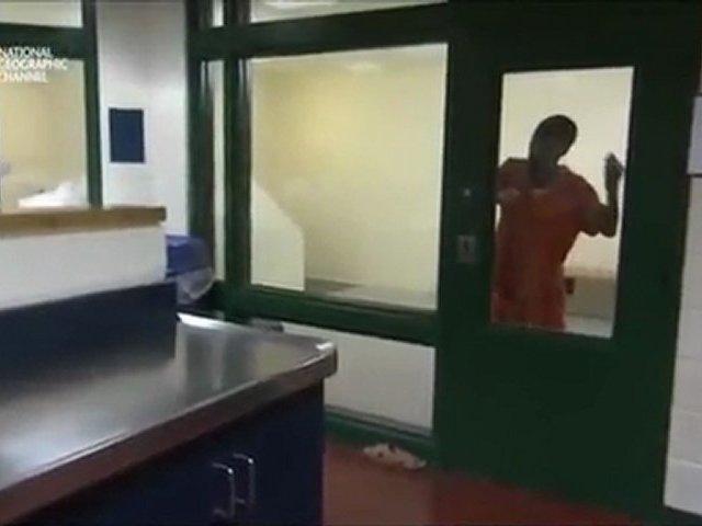 Documentaire LockDown – L'enfer des Prisons – Gardiens sous pression