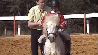 Documentaire Julie au poney-club, découvrir les activités équestres