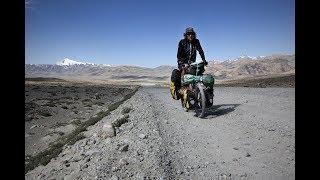 Documentaire Claude Marthaler, embrasser la terre ou les fascinants voyages de l'homme-vélo