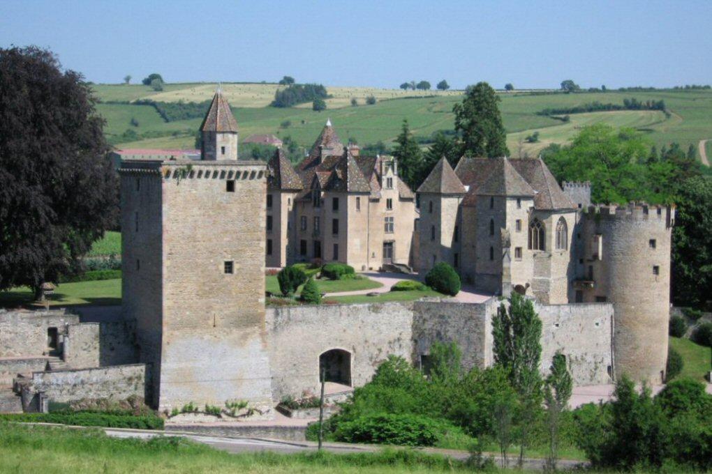 Documentaire Château de Marguerite de Bourgogne (71)