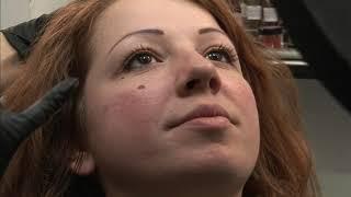 Documentaire Mouches, grains de beauté, comment se faire tatouer sans risque