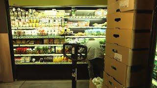 Documentaire Gaspillage alimentaire : faut-il ignorer les dates de péremption ?