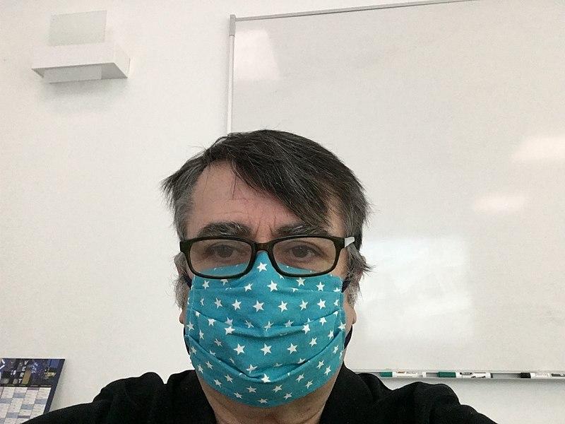 Documentaire Coronavirus : les masques faits maison sont-ils efficaces ?