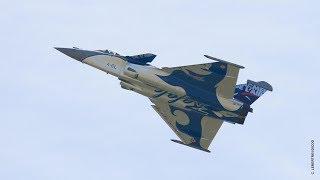 Documentaire Des avions de combat en représentation