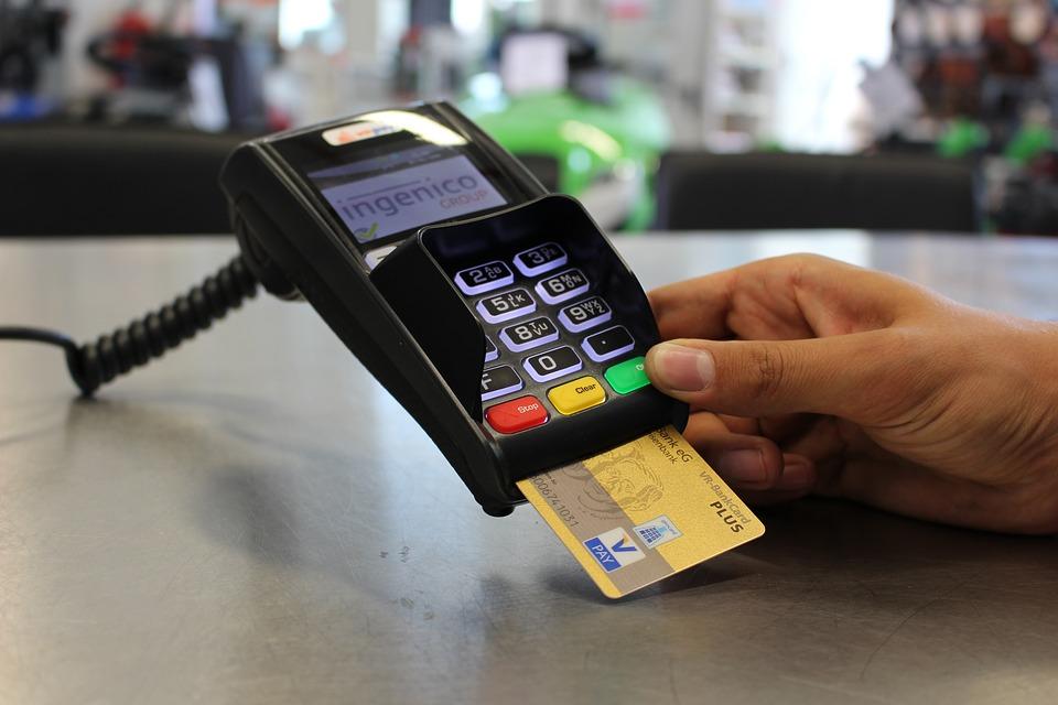 Création et évolution de la carte bancaire