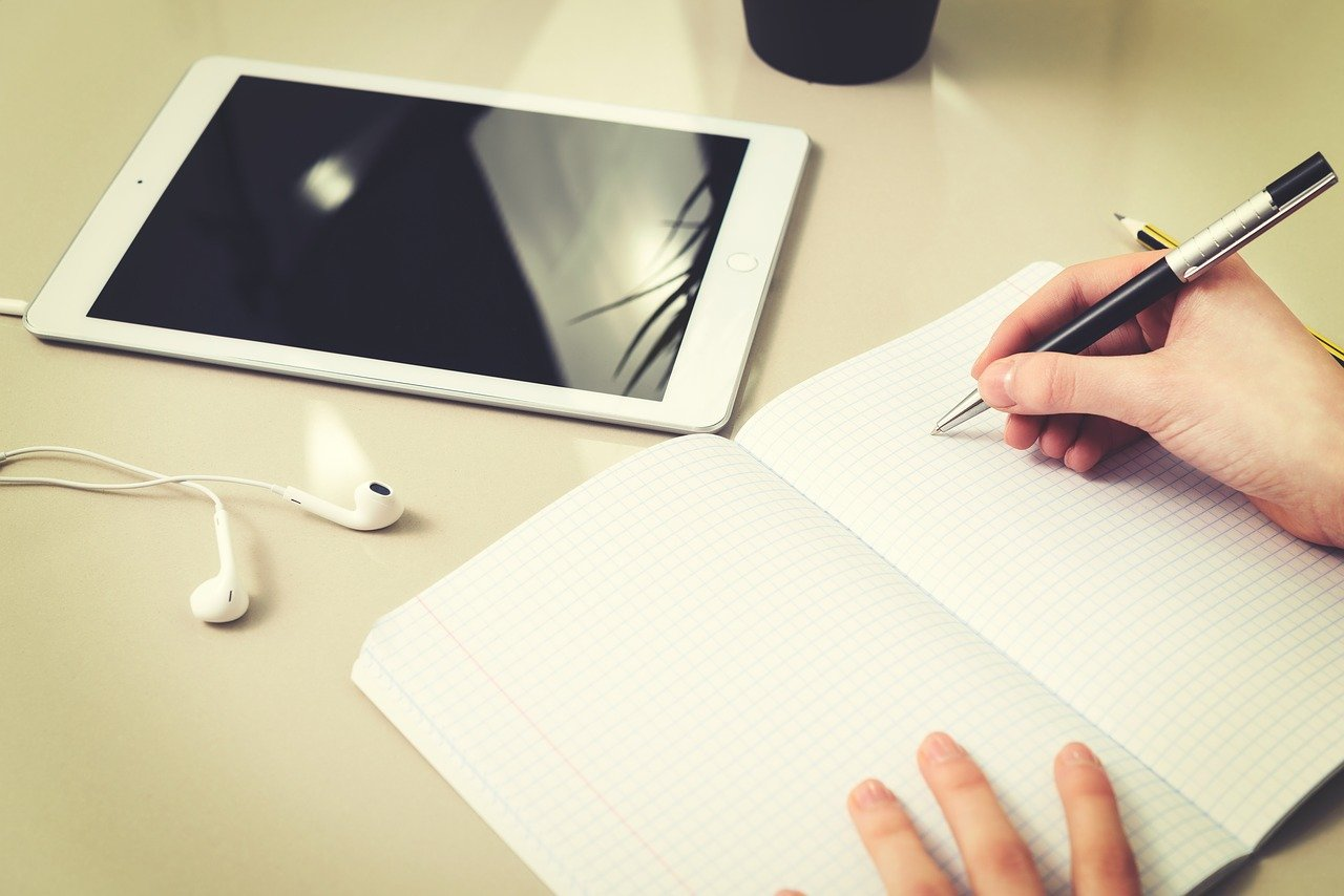 Comment trouver facilement les corrigés d'un devoir de dissertation ?