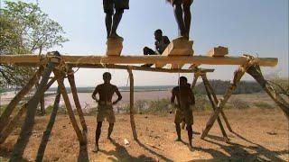 Madagascar, les magiciens du bois