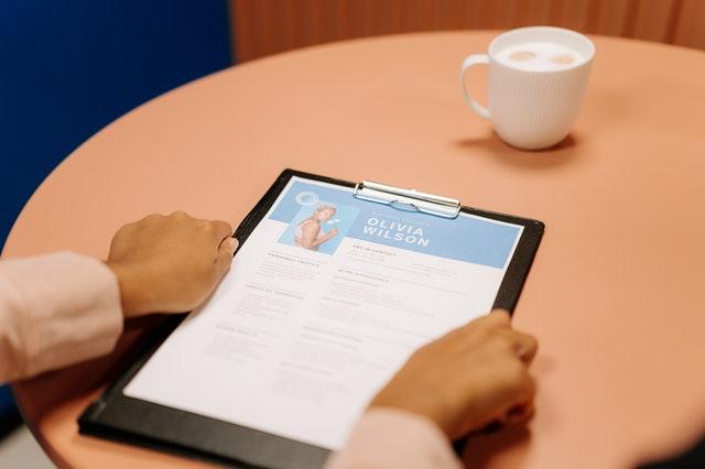 Comment rédiger un CV directeur ? Guide complet pour faire un CV de directeur