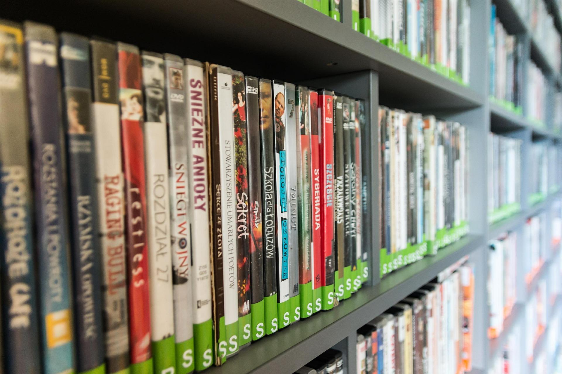 Comment compléter votre collection de documentaires à moindre frais ?